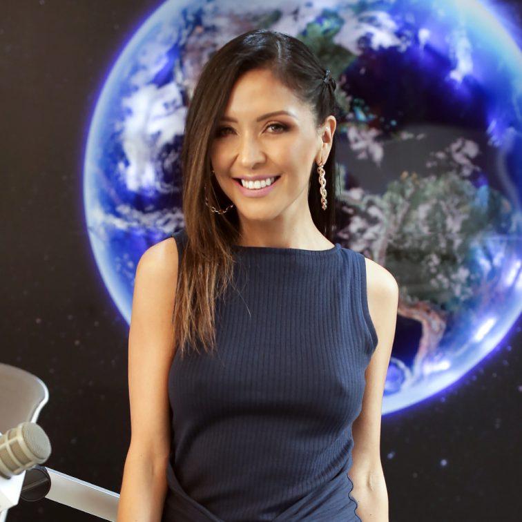 Nicole Cueva colecciones fmmundo radio 98.1 quito ecuador online