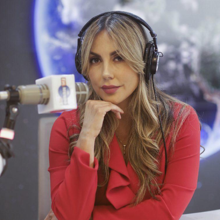 Gisella bastona notimundo a la carta por fmmundo radio quito ecuador online