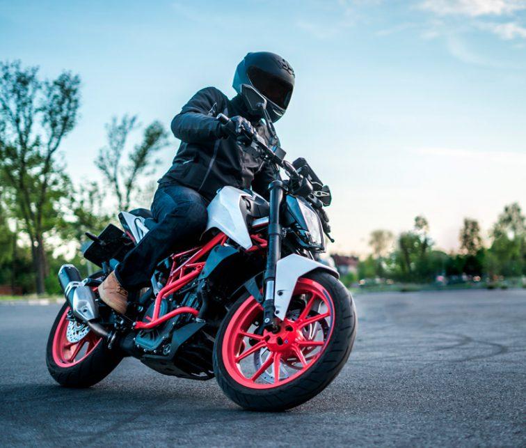 paseo en moto por el mundo
